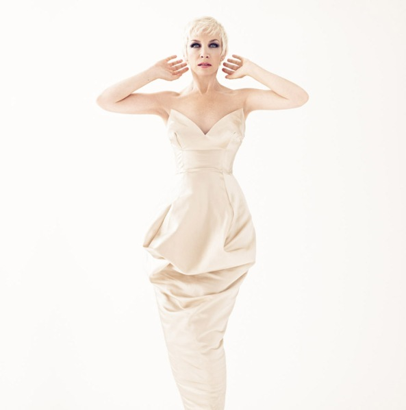 Annie Lennox (The Annie Lennox Collection) 1 (low res)